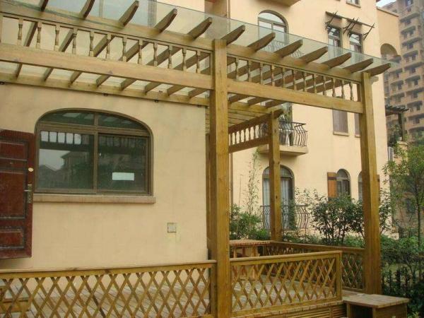 阳台防腐木花架